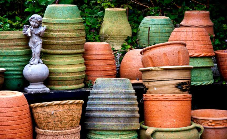 Pots [CCBYSA Garry Knight]