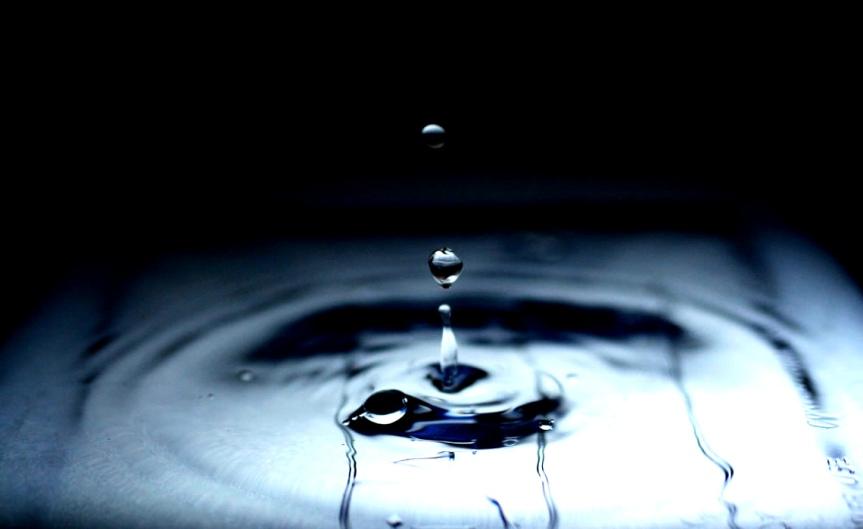 Waterdrops [CCBYSA FoxKiyo]