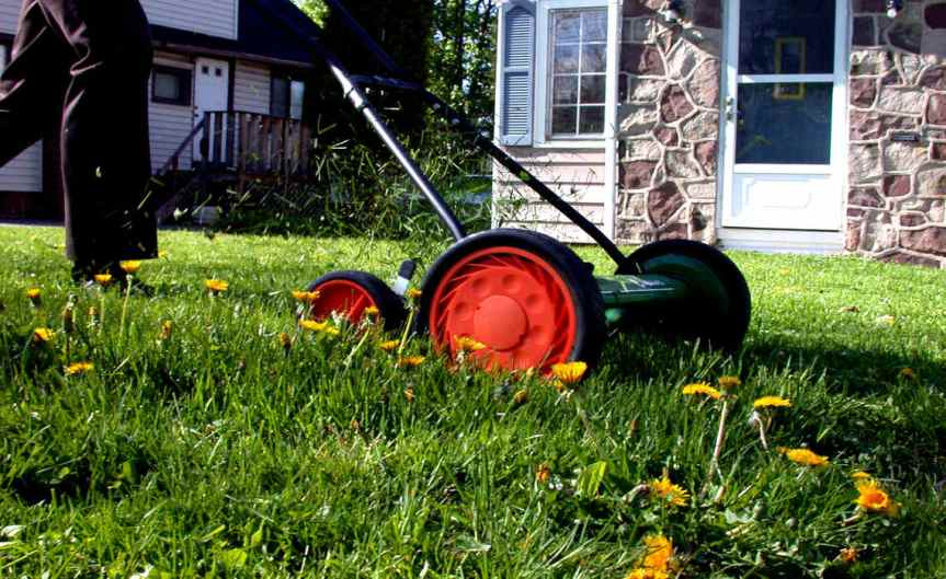 Lawnmower [CCBY Brian Boucheron]