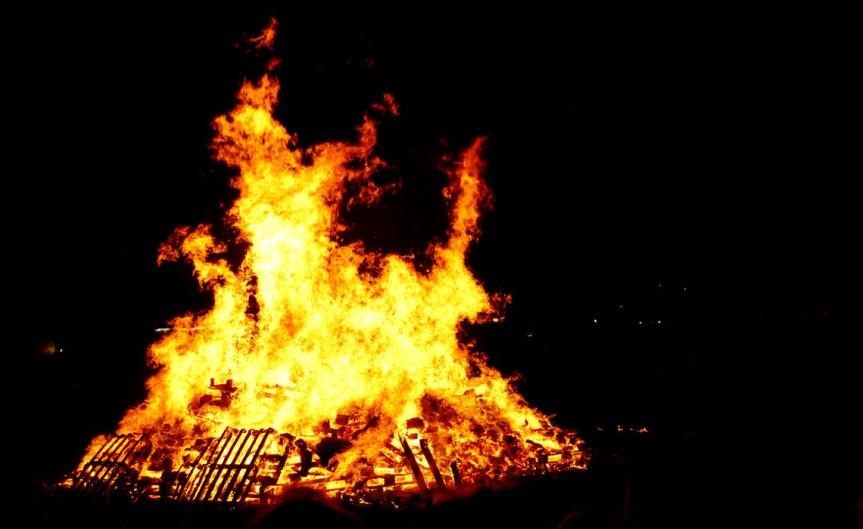 Bonfire [CCBY-SA EwanMunro]