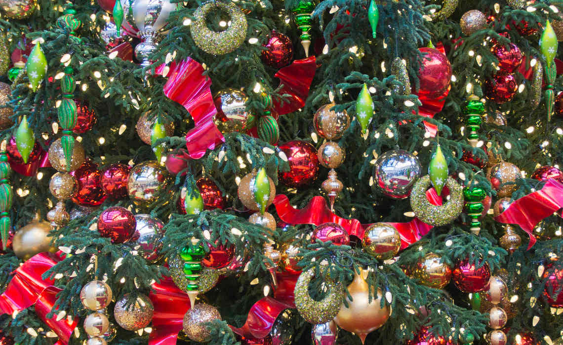 ChristmasDeco [CCBY-SA BertKaufmann]